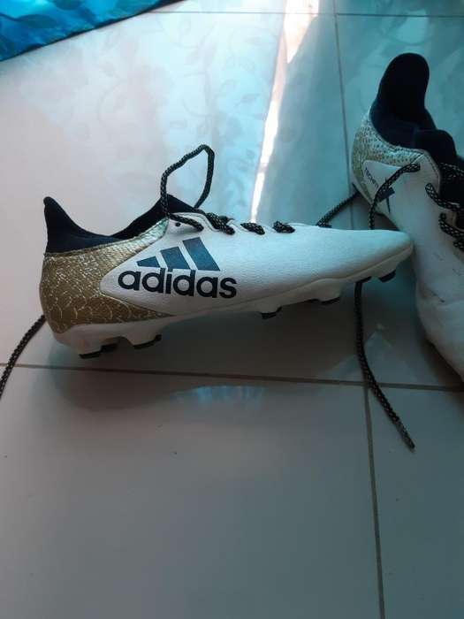 Zapatos <strong>adidas</strong> Techfit Blancos