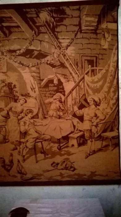 Antiguo gobelino escena doméstica
