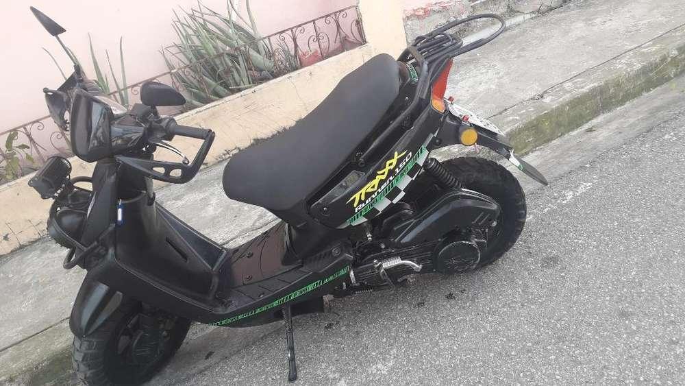 Vendo <strong>motoneta</strong> en 450 Esta Todo Al Dia..