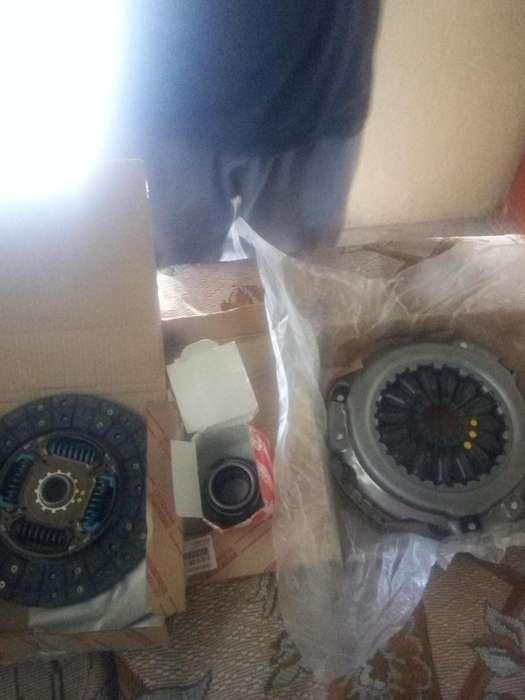 Vendo kit completo de embrague de camioneta hilux 2009 0983427528