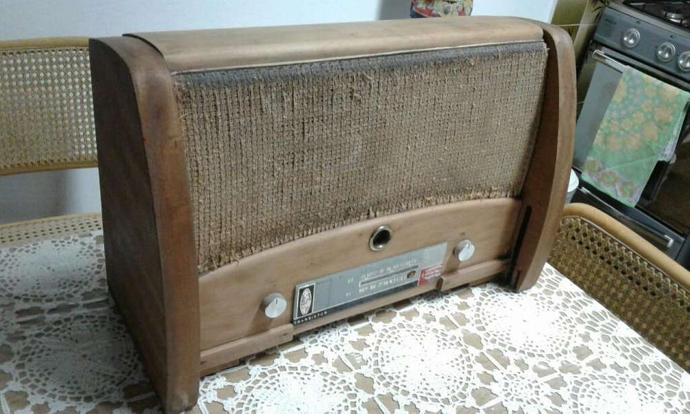 Mueble Radio Antiguo