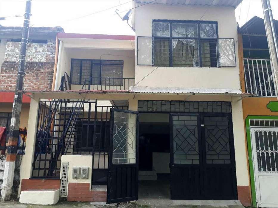 Casa pisos independientes con garaje en el Topacio, amplia y económica
