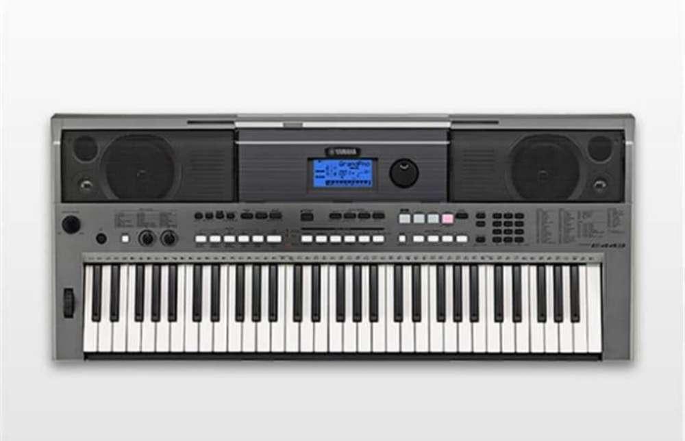 Profesora de Piano Teclado Y Organo