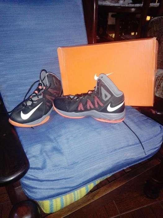 Botas Nike Nuevas Talle 42.