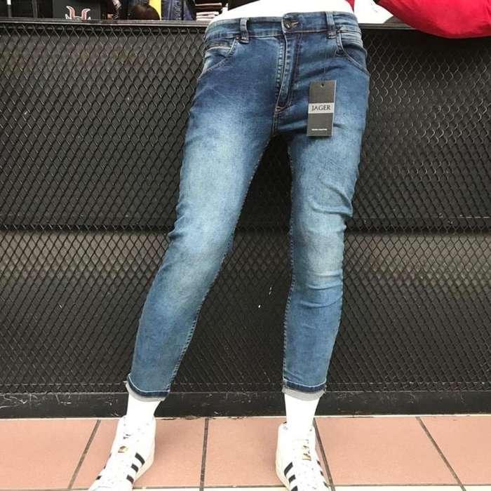 Jeans Y Camisas para Hombres.