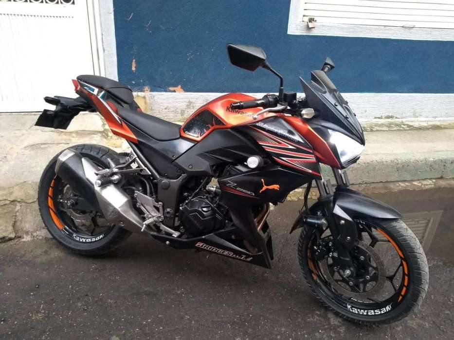 Vendo Hermosa Kawasaki Z 250