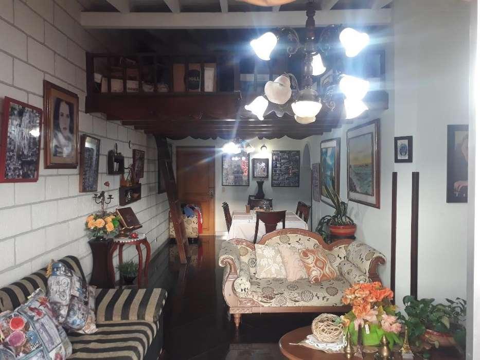 Apartamento en Laureles Cerca a El Exito