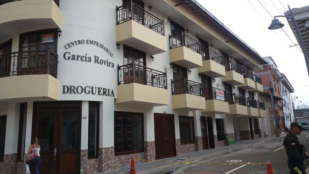 ARRIENDO OFICINA CENTRO EMPRESARIAL