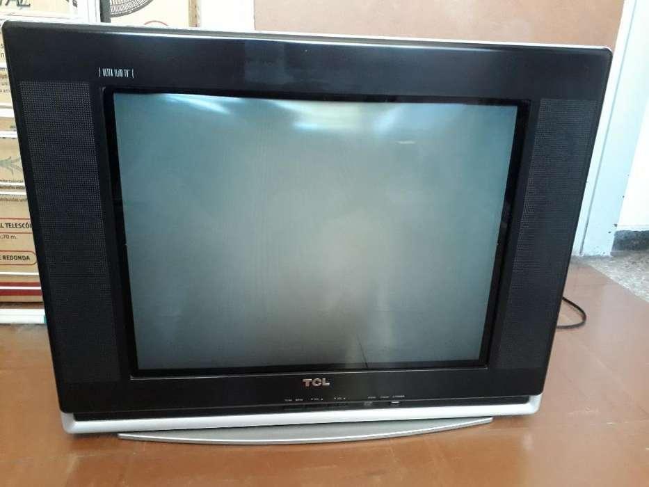 Televisor 21'' Tcl Uslim
