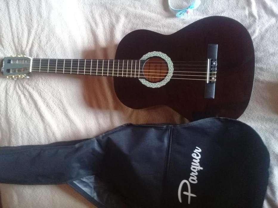 Vendo Guitarra Criolla NUEVA