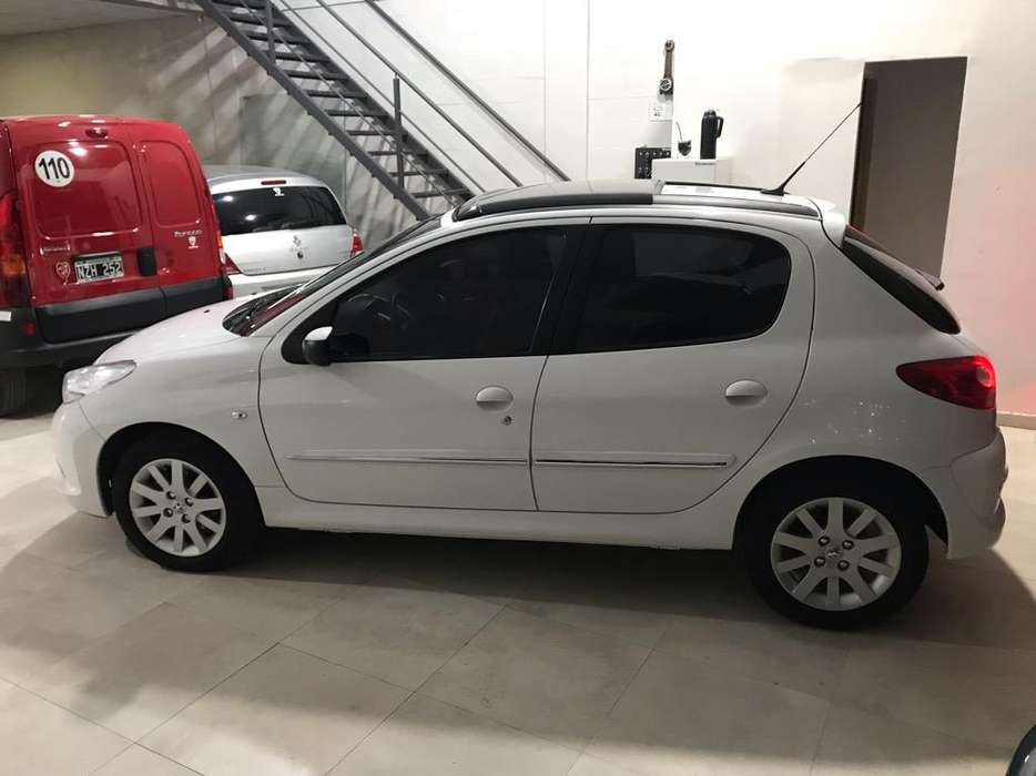 Peugeot 207 2011 - 80000 km
