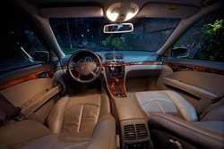 Mercedes-Benz E320 / Sedán alemán deportivo de súper lujo / Como nuevo