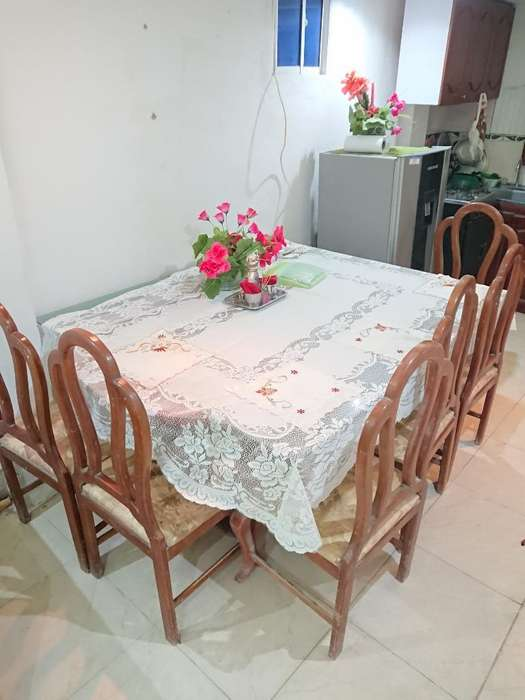 Mesa de 5 Puestos Usada