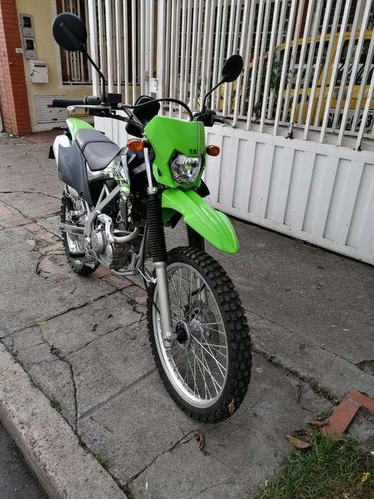 Vendo <strong>kawasaki</strong> Klx 150