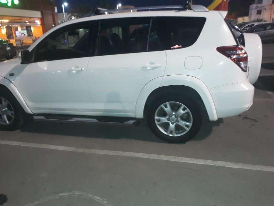 Toyota RAV4 2012 - 72500 km