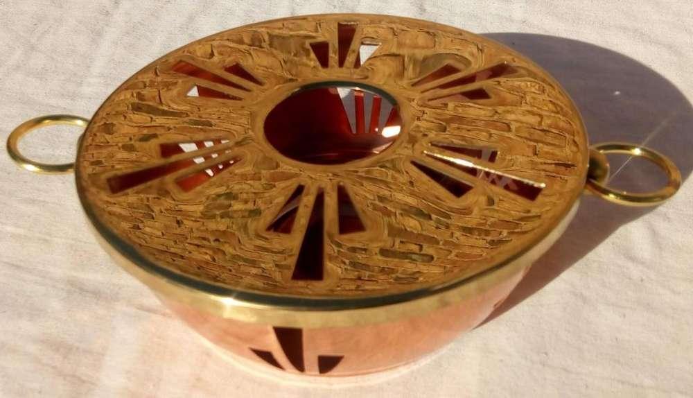 Antiguo y original posa vela de cobre y bronce importado