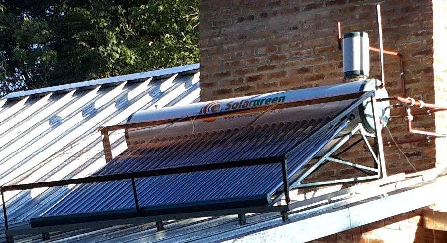 Ahorre ....Calefón Solar Green 300 Litros apto para presurizar