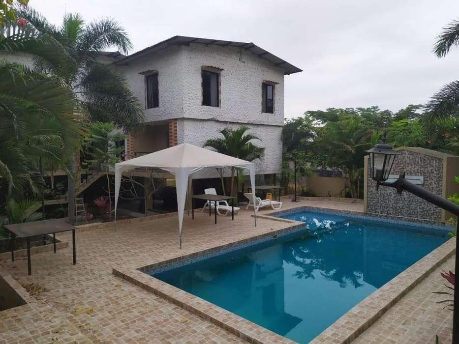 Se vende para inversión amplia casa rentera amoblada en Urb. Rancho Alegre Via a Daule