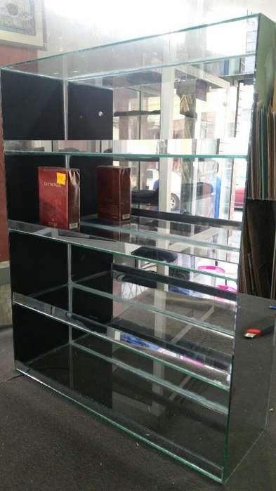 en Riobamba Confecciono Exhibidores