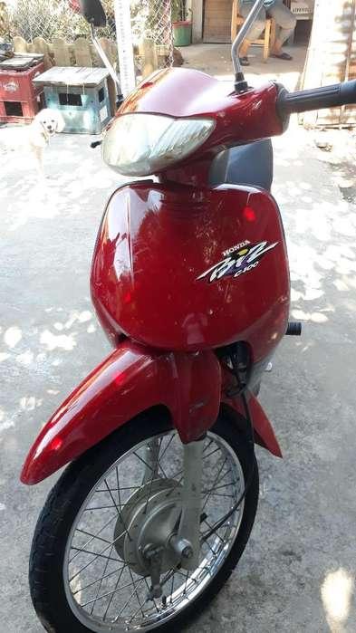 Vendo <strong>honda</strong> Biz 100 Mod. 2001