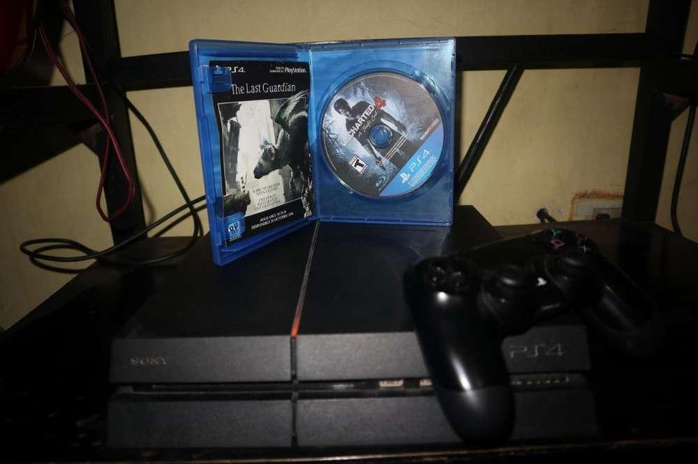 VENDO PS4 ORIGINAL