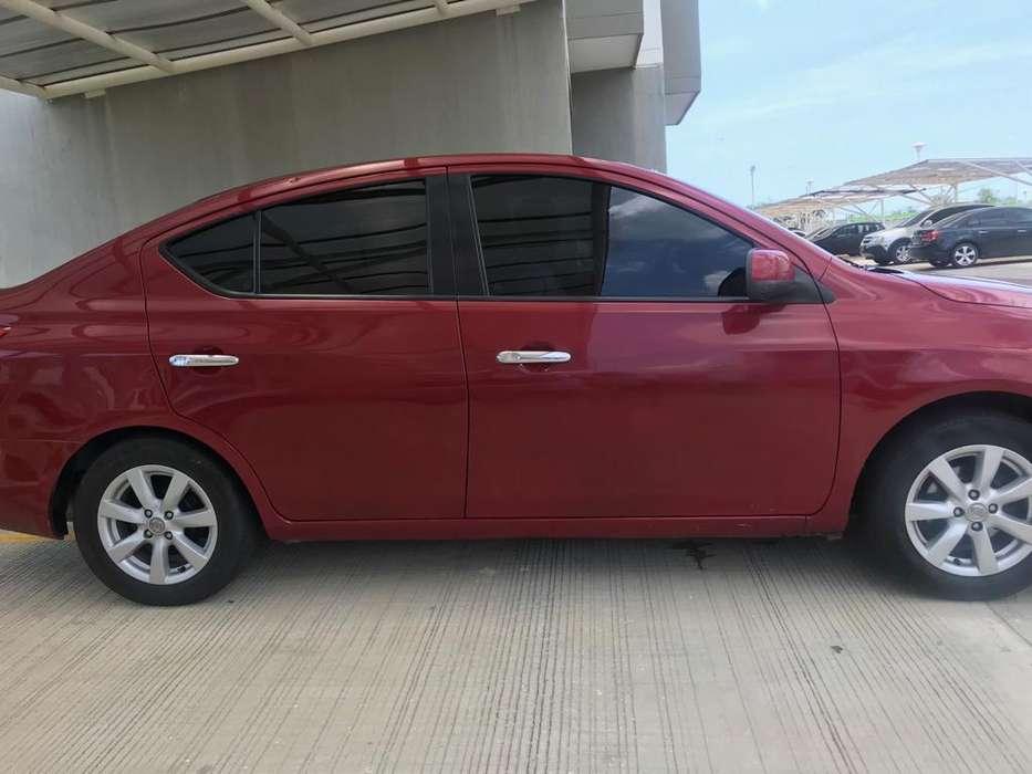 Nissan Versa 2013 - 100000 km