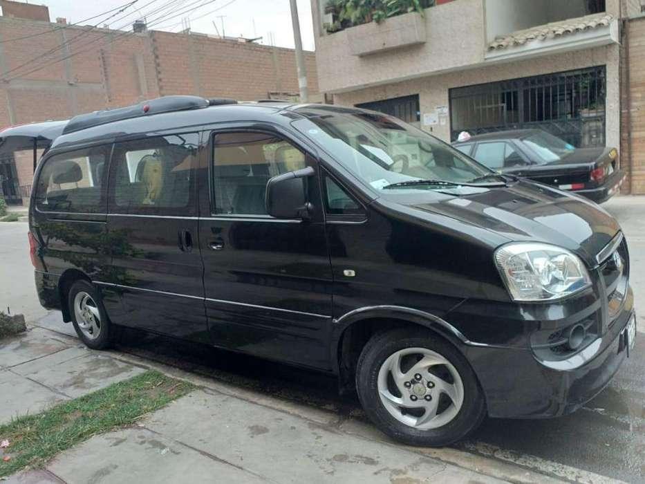 Vendo Van semi nueva JAC Refine
