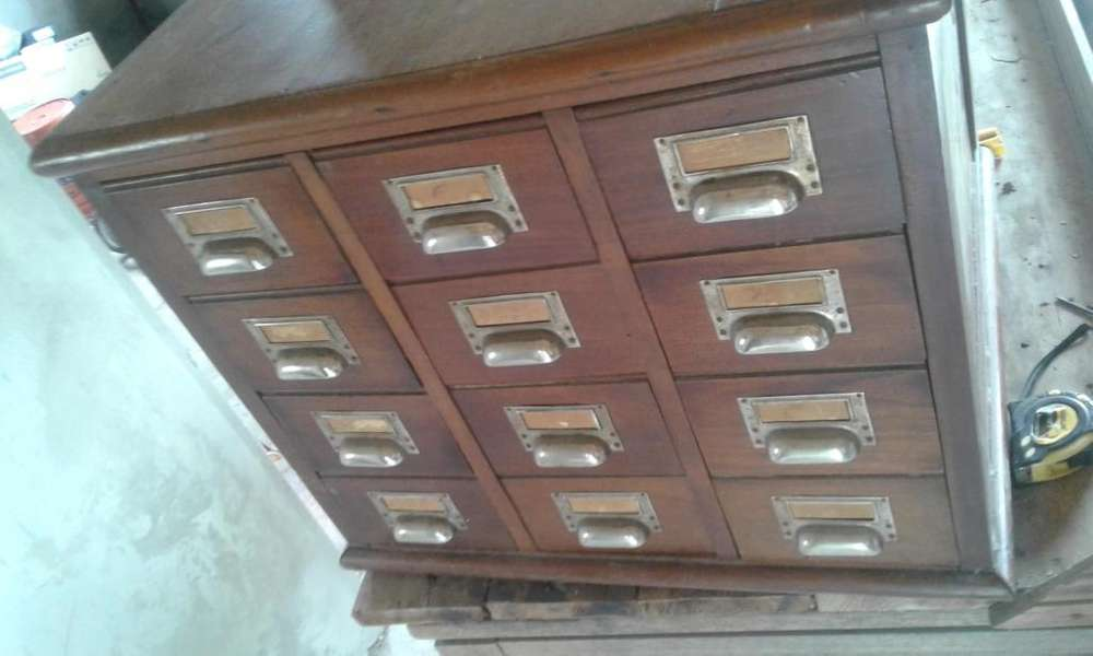 Antiguo fichero mueble organizador en cedro y teca. Original