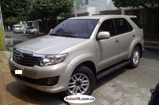 Toyota Fortuner 2013 - 90000 km