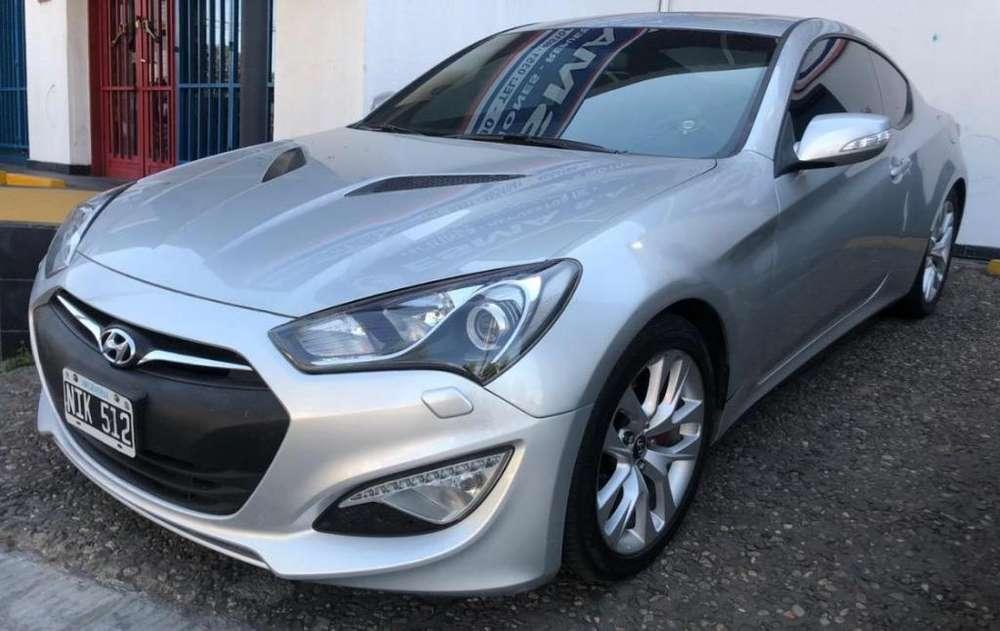Hyundai Genesis Coupe 2013 - 890 km