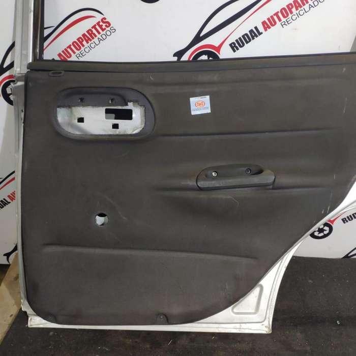 Tapizado Puerta Trasera Derecha Chevrolet Corsa 1900 Oblea:03241010