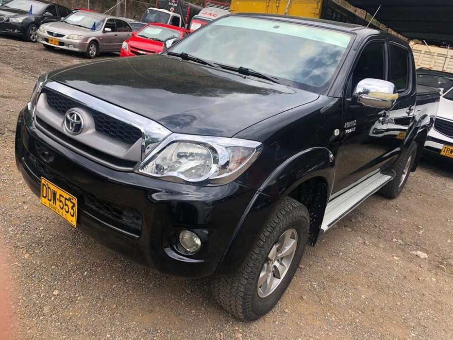 Toyota Hilux 2009 - 140000 km