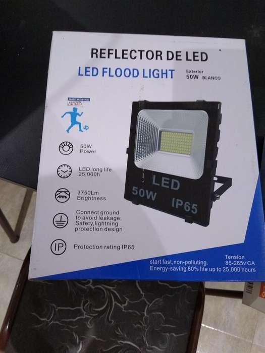 Reflector Tipo Cancha de Papi 250 W