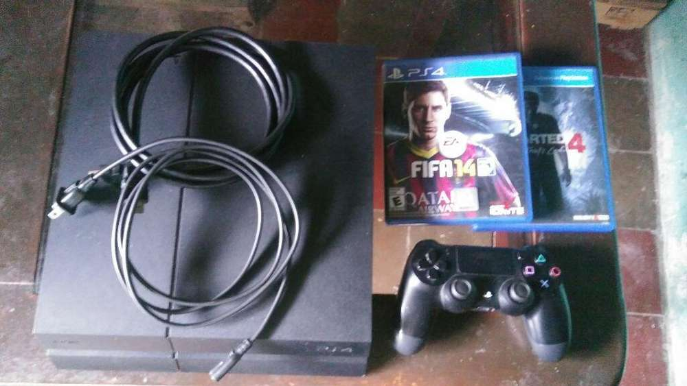 Vendo Play 4 en Buen Estado a 230