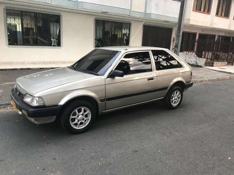 Mazda 323 1996 - 80000 km