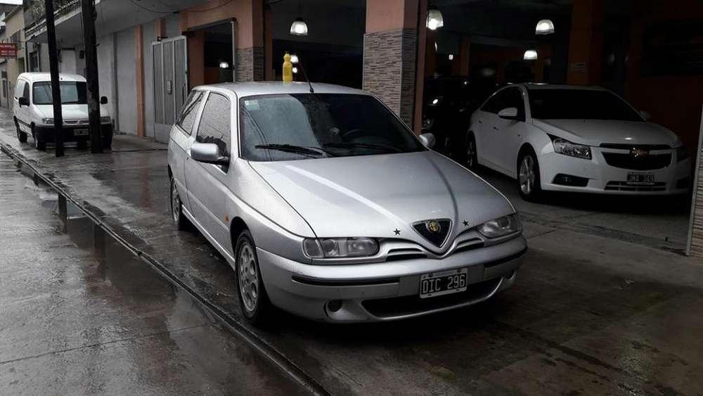 Alfa Romeo 145 2000 - 180000 km