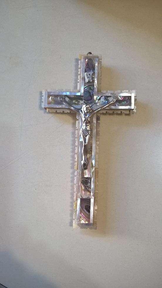 Hermoso Crucifijo de Madera Y Nacar