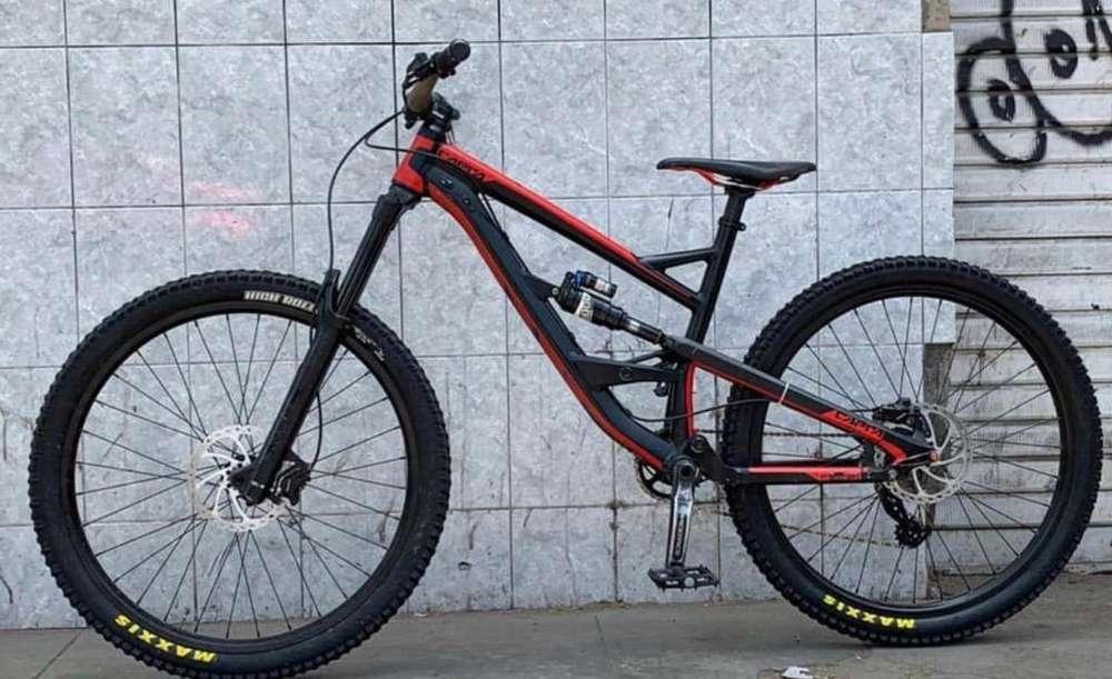 Bicicleta Yt Capra Medium Aro 27.5