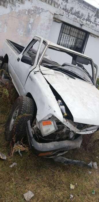 Toyota Hilux 1996 - 1111 km