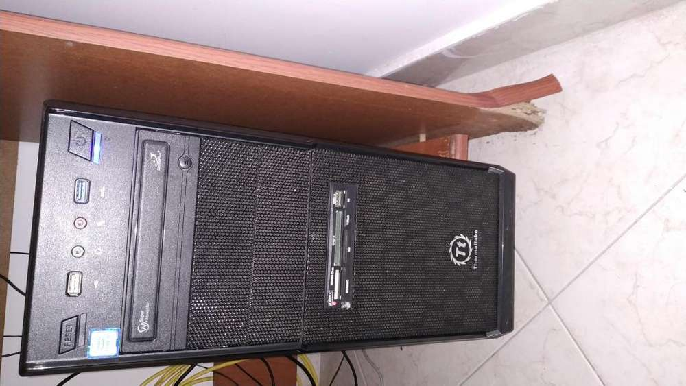 Computador de escritorio, Intel Core I5, Disco de Estado Sólido 240Gb Disco duro 1TB, memoria RAM 8Gb, Board MSI