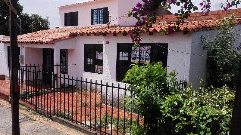 Arriendo casa barrio La Libertad C003