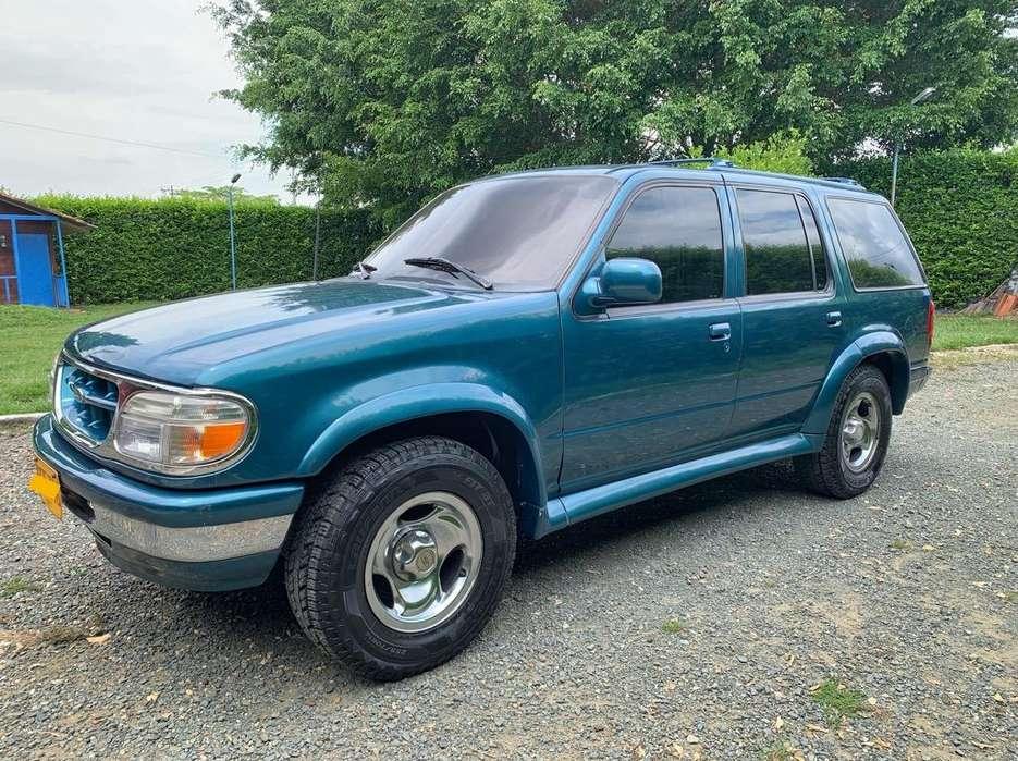 Ford Explorer 1998 - 180000 km