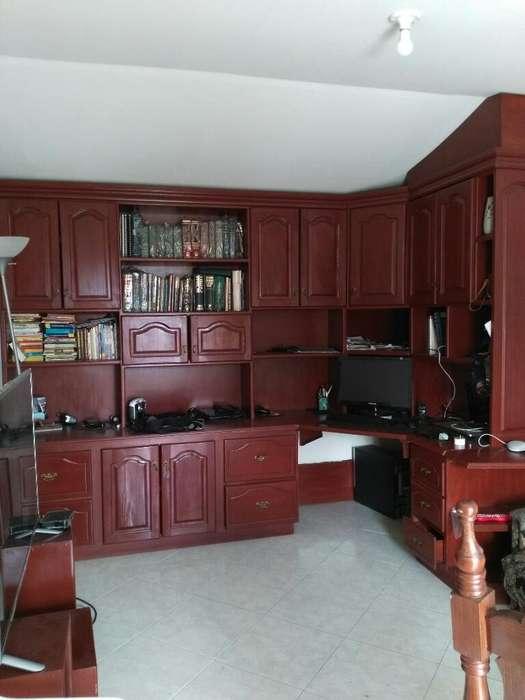 Mueble Amplio para Biblioteca con Archiv