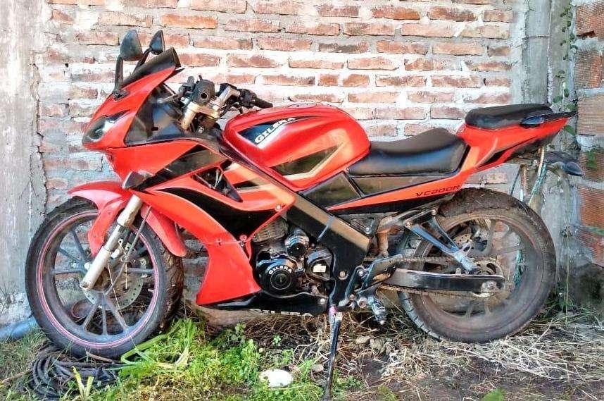 VENDO MOTO <strong>gilera</strong> VC200