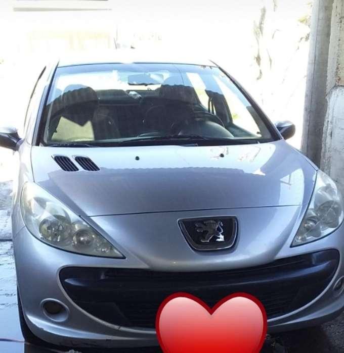 Peugeot 207 Compact 2010 - 180000 km