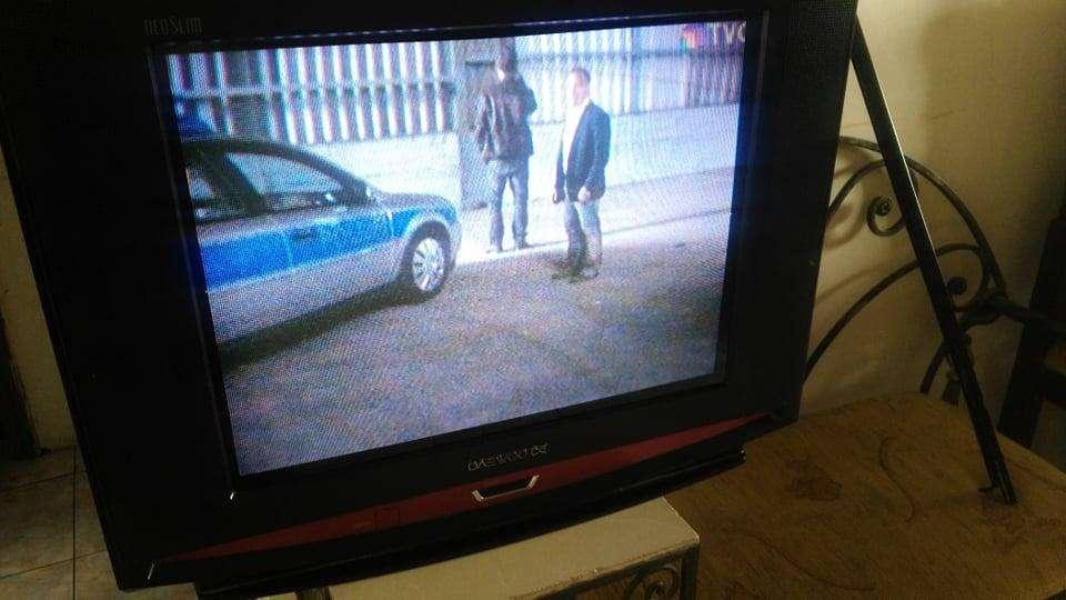 tv 21 slim daewoo con detalle
