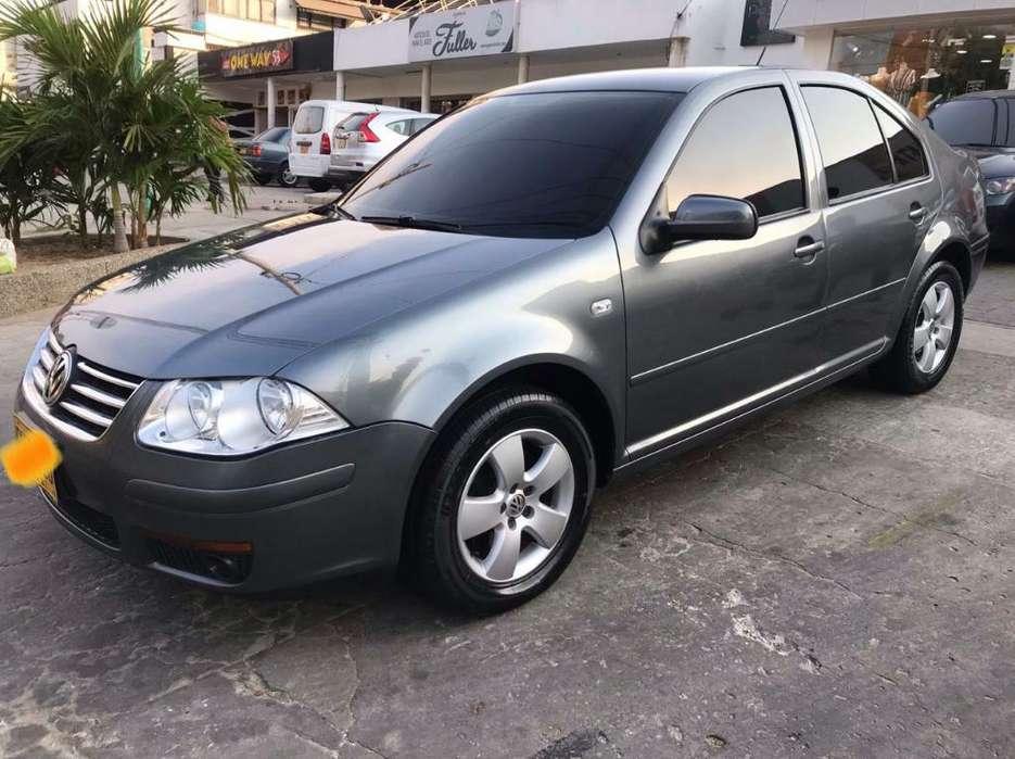 Volkswagen Jetta 2012 - 80000 km