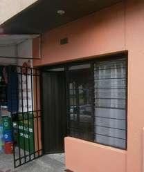 Apartamento AMOBLADO 650mil Incluidos servicios wifi tv. agua y luz. Para una persona. Si son 2 por 750mil.