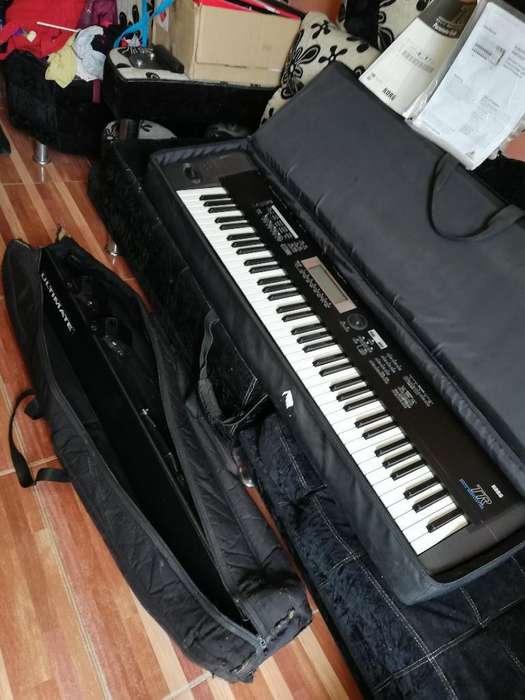 Piano Korg Tr