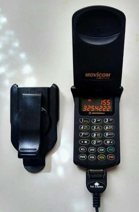 Antiguo Celular Stark Tac